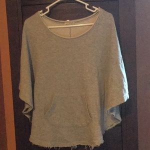 Poncho/sweatshirt